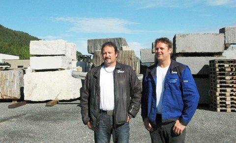 Leif Olav Eide (til venstre), daglig leder i Eide Stein AS. Magne Eide (til høyre) er ansvarlig for salg, innkjøp og halvfabrikat. Brødrene ligger høyt oppe på både formue- og inntektslista for skatteåret 2019.