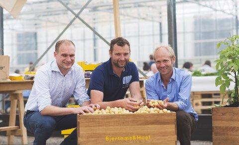 MANGFOLD: Henrik Raastad-Hoel, Øystein Hoel og Åsmund Bjertnæs i Bjertnæs og Hoel er en stor arbeidsgiver for arbeidere fra flere land.
