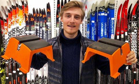 GLAD NORDMANN: Brage Eriksen og medgründer Espen Hinsch i Happy Norwegian gjorde bred suksess med Mr. Gripy (avbildet). Nå er de klare med ny modell av produktet.