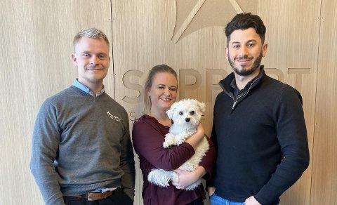 STARTER INNSAMLING: Patrick Solrunarson, Jannicke Lund Thorsen (med hunden Bobo) og Ghazi Jezdin håper å samle inn minst 150.000 kroner.