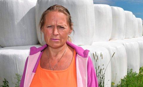 I DIALOG: Klima- og miljørådgiver i Østre Toten kommune, Inger Lise Willerud, forteller at de har blitt tipset om den aktuelle eiendommen tidligere, og at de nå er i god dialog med eier om opprydning.