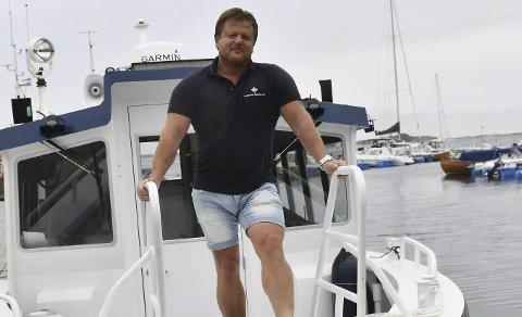 Sørlandets Maritime: Har kontrakt på skysskjøringen til øyene. Leder Frode Hansen sier de må kutte drastisk i rutetilbudet dersom kommunedirektørens forslag om å halvere tilskuddet ble vedtatt, og at det vil få konsekvenser for de andre tilbudene. Arkivfoto