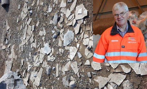 FJERNET: De synlige asbestplatene som har dukket opp i strandkanten ved Strandefjorden siden siste opprydning i 2016 er nå fjernet igjen. Eivind Berg i VKR sier det er sannsynlig at flere plater avdekkes med årene.