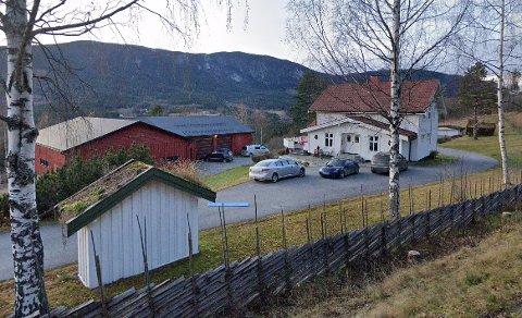 DYRESTE: Denne gården i Hedalen gikk for 4,25 millioner kroner i desember.
