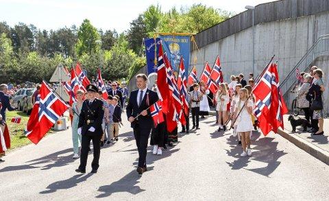 Kommunalsjef Ellen Knutsen ønsker ikke å avlyse barnetoget helt enda. Her fra 2019 på Nesodden.