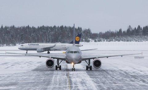 All flytrafikk inn og ut av Norge er stanset. Illustrasjonsfoto: Oslo Lufthavn, Gardermoen.
