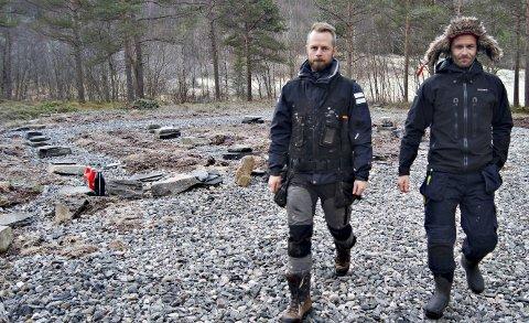Får kjøpe: Formannskapet holder fast ved sitt tidligere vedtak. Det betyr at Emil Bråten (t.v.) og Morten Strøm i Skarfjell Utvikling AS får kjøpe næringsarealet på Ålvundeid.