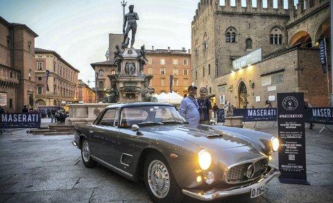 Målet var Italia då Mads Erbe Thomassen var ferdig med restaureringa av Maseratien sin. Ein køyretur han og hans kjære Aarid Olsen  lev lenge på. Foto: privat