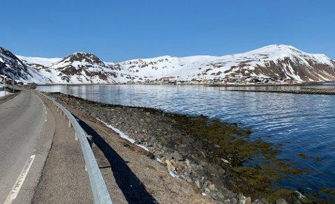 FINVÆR: Slik så det ut på veien til Nordvågen 2. mai i år.