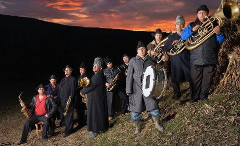 VERDAS BESTE: Ifølge Hilde Bjørkum er Fanfare Ciocarlia verdas beste brassband.