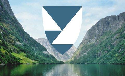 DETTE VIL DEI HA: Fylkesvåpenet som Fellesnemda for Vestland fylkeskommune har gitt si innstilling til, skal førestille eit fjordlandskap i blått og sølv.