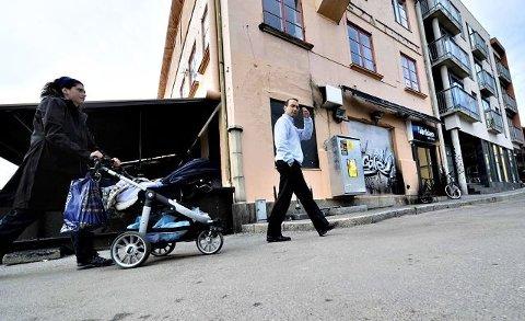 NY GENERASJON: Racha Maktabi og mannen hennes Amir Mirmotahari i mai 2011 da de overtok farens eiendommer i Fredrikstad. (Arkivfoto: Erik Hagen)