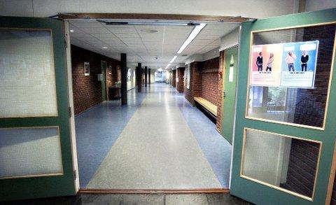 Frifunnet: Retten fant det ikke bevist utover enhver tvil at det hadde funnet sted en voldtekt i klasserommet. Tiltalte ble derfor frifunnet i tingretten.