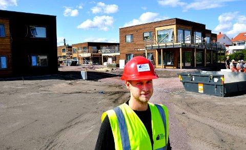 I RUTE: Ifølge prosjektleder Bjørn Markeng går byggingen av de 32 boligene på Steinsnes etter planen. Den største utfordringen har vært urene masser fra gartneritiden.