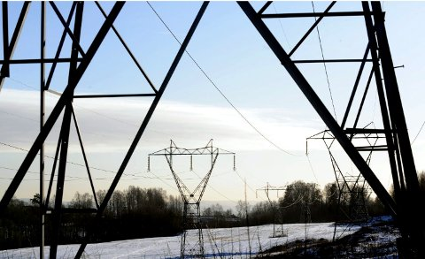 Prisen på strøm er rekordlav nå.