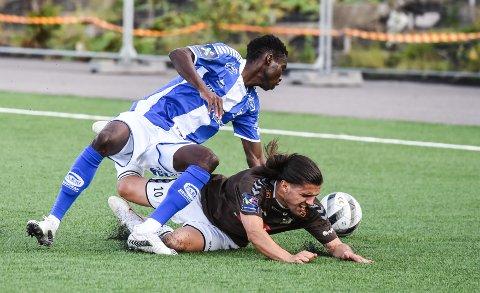 FALT TUNGT: Nuno Soares og Ørn falt tungt mot et teknisk og hurtig Sarpsborg 2 som utnyttet grove feil i ørnforsvaret.