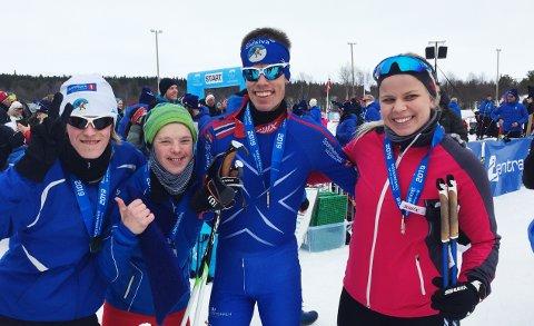 RIDDERRENNET: Fornøyde deltakere i Ridderrennet. Fra venstre: Hallvard Løken, Herman Bilstad, Bjørn Eide Pedersen og ledsagere Marte Erfjord.