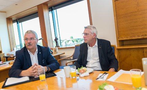 FROKOST: God tone da konsernsjef i Sparebank 1 Østlandet, Richard Heiberg, bød LOs distriktssekretær i Oppland, Iver Erling Støen, på frokost i banken og for å snakke om den nye avtalen.