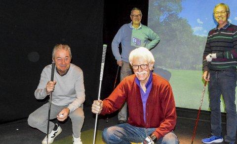 IVRIGE GOLFERE: Golfsimulatorene som Atlungstad har på Espern blir flittig brukt, blant av disse ivrige seniorene: Foran: Knut Bøvolden og Aage Bakken. Bak: Bjørn Jenssen og Svein Aage Hagen.