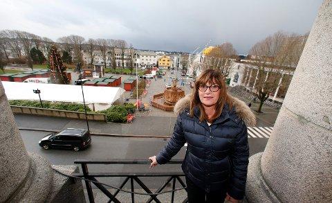 Elisabeth Kynbråter leder Enhet for byutvikling i Haugesund kommune. Enheten får både ros og ris i en fersk forvaltningsrevisjon.