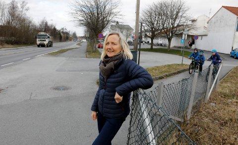 SLUTTER TIL VÅREN: Rossabø skole trenger ny rektor når Reidun Rødeseike går av med pensjon.