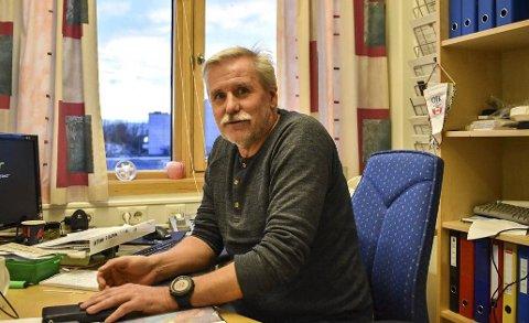 SNART I MÅL: Serieansvarlig i Nordland Fotballkrets, Frank Aas, måtte bruke mange timer på kontoret for å få ti lag i 4. divisjon HESA kommende sesong. Foto: Kristoffer Wollvik Pettersen