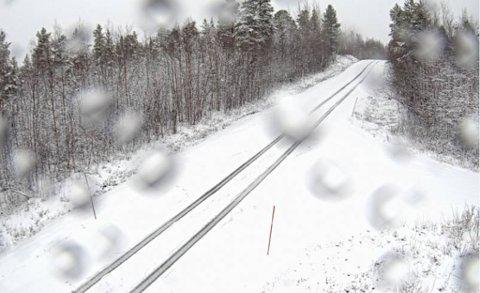 VEIEN MOT KIRKENES: Skjermdump fra et av Statens vegvesens kameraer tidlig lørdag på fv. 885 Vaggatem