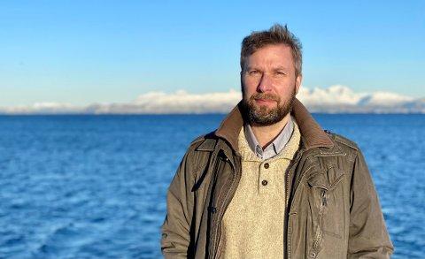 PASS PÅ: Jonas Holte håper flest mulig holder seg hjemme, men skjønner at det er nødvendig for enkelte grupper å reise i påska.