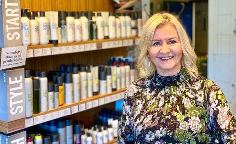 FRESH: Både salongen og logo skal freshes opp, forteller dagllig leder Stine Larsen.