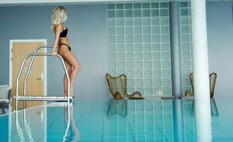 Nyter oppholdet: Bloggdronningen Sophie Elise Isachsen (25) i spaavdelingen på Rømskog Spa & Resort. Foto: sophieelise.blogg.no