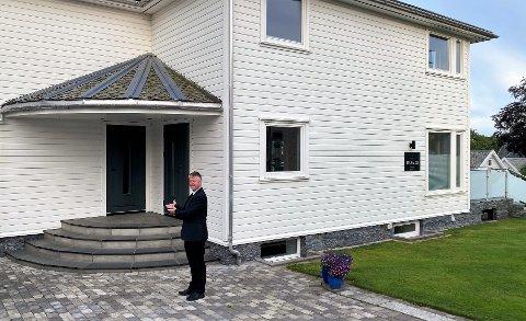 SJEL: Boligen fra 1939 har sjel og bærer på mye historie. Arild Aase har bodd i Brynevegen 12 siden 1994, men er nå klar for å starte et nytt kapittel et annet sted.