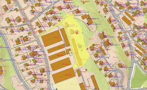 SOLGT: Eiendommen som her er markert med gult, er overdratt for 18,3 millioner kroner. Her skal Trysilhus bygge fire lavblokker.