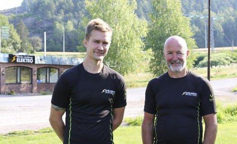 NYTT SALGSVERKTØY: Erlend og Knut Halvorsen i Nordre Jarlsberg Elektro har fått fylkes-kommunalt opplæringstilskudd. Foto: Ingunn Håkestad Bråthen