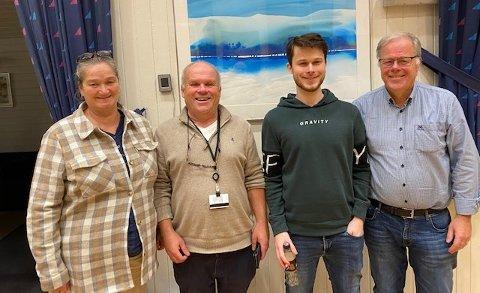 HØSTTURNERING: Fra venstre Vibeke Hellner, Roger Olafsen, Simen Sørlie Helgeby og Bjørn Helgeby.