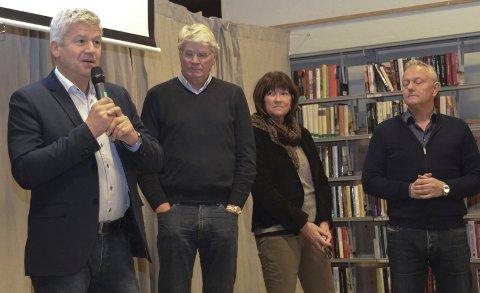 Enige: Ordfører Jone Blikra, Dag Torp Syvertsen, rådmann Inger Lysa og Børre Berglund oppsummerte møtet på biblioteket.