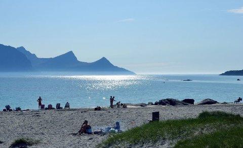 Hauklandstranda er et yndet mål for bading, surfing og camping i sommerhalvåret.