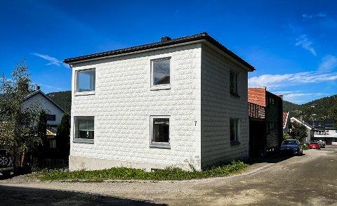 SOLGT: Dette huset i Overtollbetjent Wessels gate 7 i Namsos ble solgt for 2,55 millioner kroner denne uka.