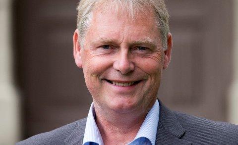 KAN FÅ MER MAKT: Kommunedirektør Morten Wolden kan onsdag kveld komme i en sjelden posisjon.