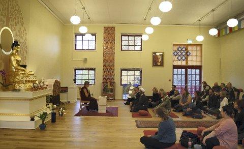 TEMPEL: Å komme inn i buddhisttempelet på Bjørndal er en stor opplevelse på mange måter. FOTO: Privat