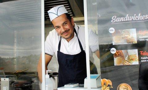 I LUKEN: Nader drømmer om egen restaurant, og første steg er ei gatekjøkkenvogn på seks kvadratmeter.