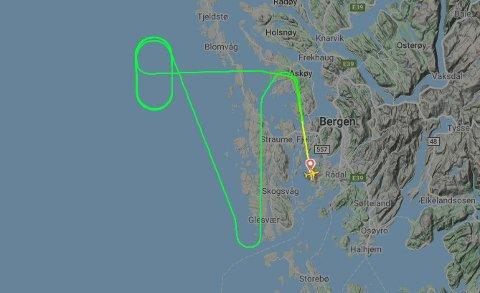 RETURNERTE: Widerøe flyet returnerte på grunn av en teknisk feil.