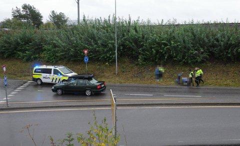 HENTES: Mopeden sto ved fylkesvei 33, rett før rundkjøringen ved riksvei 4 nær Mjøsstranda på Gjøvik.