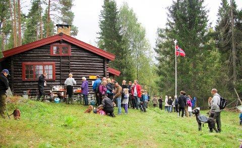 FOLKSOMT: Sterkerud speiderhytte har vært en møteplass for turfolket mellom Langhus og Siggerud siden 1932. Søndag er det årets store turmarsj, Treffpunkt Sterkerud.