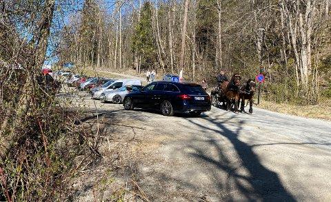 SPERRES AV: Parkeringsplassene ved Breivoll friområde sperres av fra lørdag ettermiddag til søndag morgen.