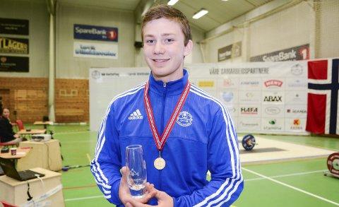 Norgesmester: Dennis Lauritsen ble den eneste lokale norgesmesteren da NM i vektløfting femkamp ble arrangert i Stavernhallen lørdag.