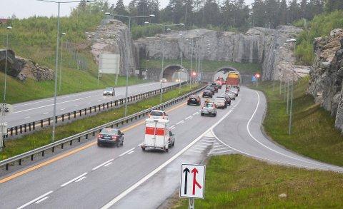 Fikk fengselsstraff: Kvinnen kjørte i pillerus og kom til E18 mellom Larvik og Sandefjorf om formiddagen den 7. oktober før politiet stanset henne.