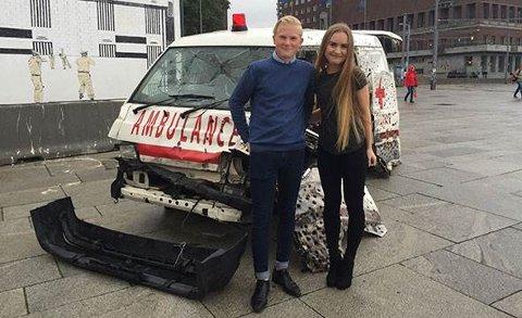 FORTELLE: En istykkerskutte  ambulanse skal være med å fortelle hvordan det er å jobbe i krigsområder.