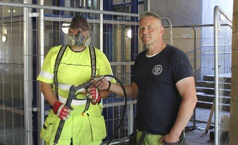 – Heissjakta spyles og heisen skal settes i drift igjen, forteller Egil Skoglund (t.h.).