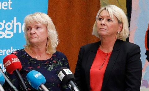 FJERNER FYLKER: Kari Kjønaas Kjos sammen med kommunal- og moderniseringsminister Monica Mæland (H)