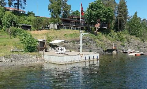 SOLGT: Lille Øverberg vei 6 på Nesøya ble solgt for 33,3 millioner kroner i september.